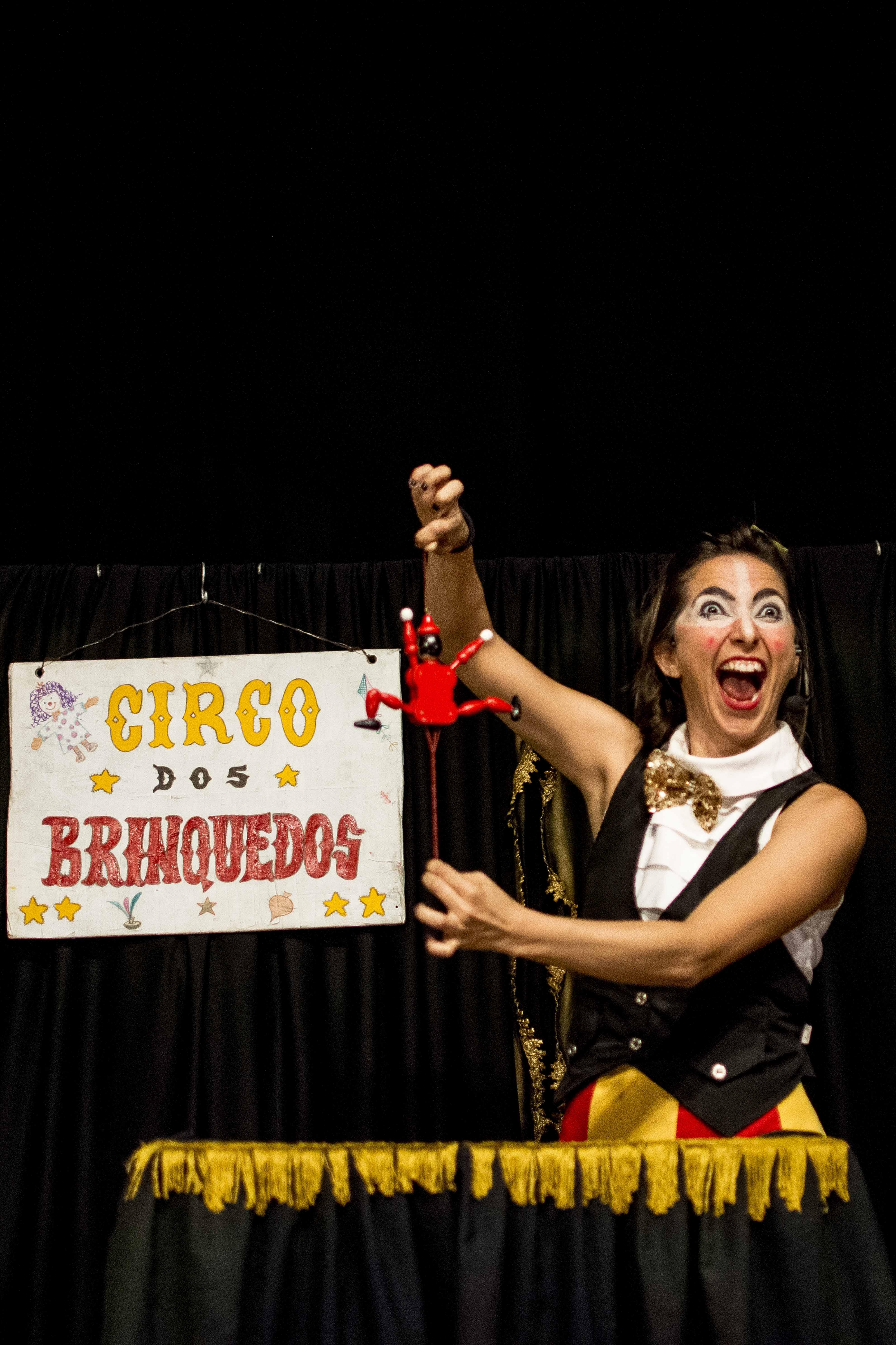 O circo entra em cena como entretenimento para a garotada no isolamento social